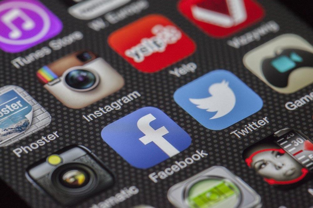 Social Media | D2C srl | Digital Agency Milano | Al tuo cliente, direttamente